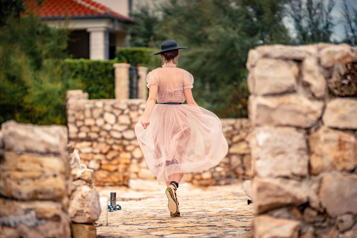"""Vintage-Fashion-Bloggerin RetroCat mit dem zarten Tüllkleid """"Bella"""" von Ginger Jackie"""