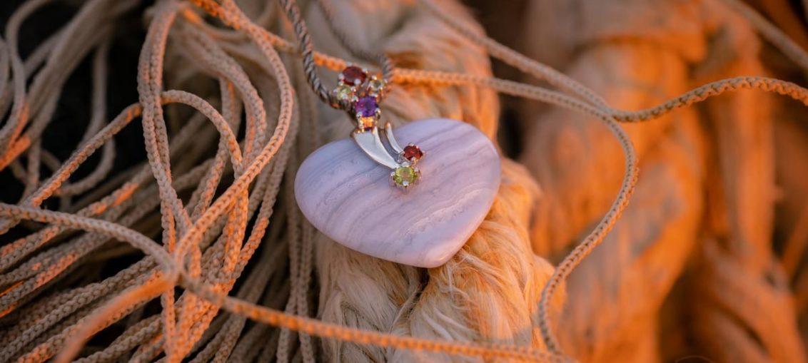 Ein Herz aus Stein - und vieles mehr: Der natürliche Edelsteinschmuck von Stoneberry