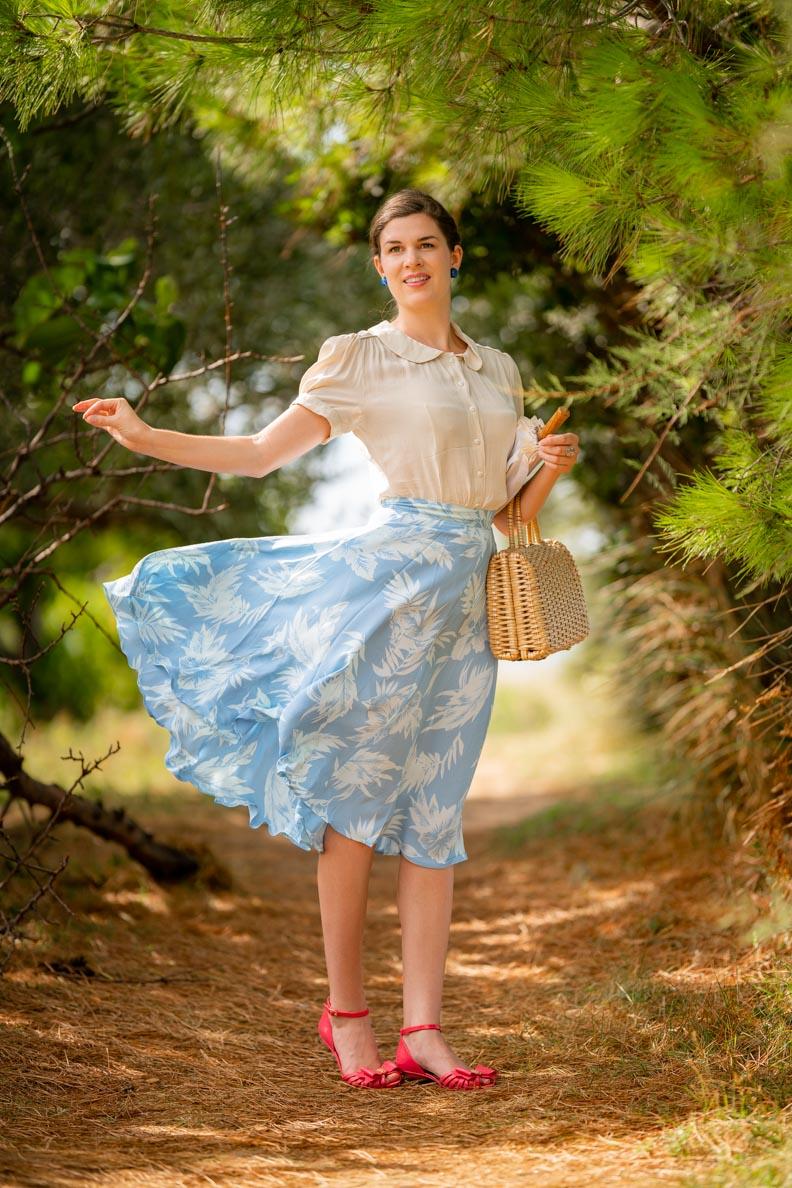 "RetroCat mit dem Swing-Skirt Isabelle in ""Blue Hawaii"" von The Seamstress of Bloomsbury"