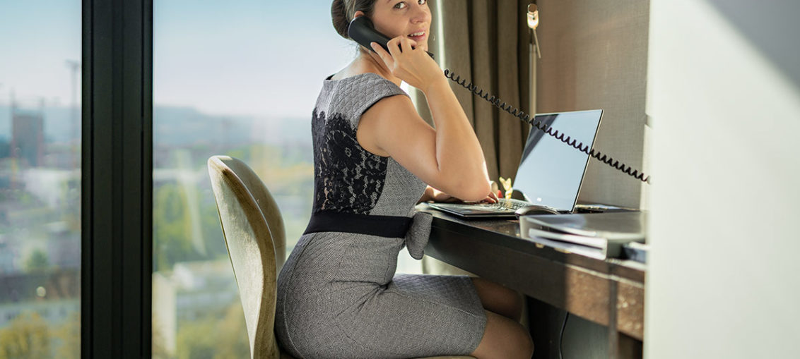Dress for Success: Büro-Outfits im Retro-Stil & gängige Business Dresscodes