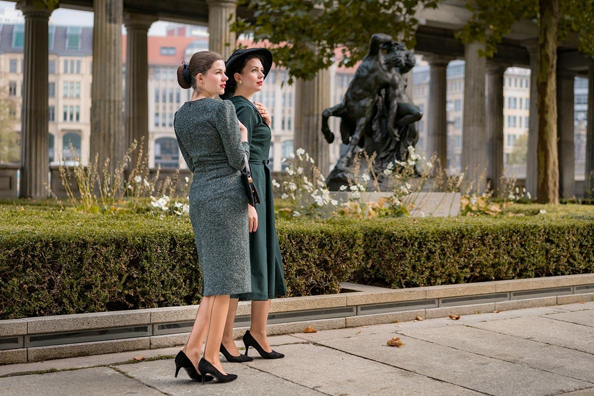 Vintage-Bloggerin RetroCat und Nicole Rhoslynn beim Spaziergang im herbstlichen Berlin