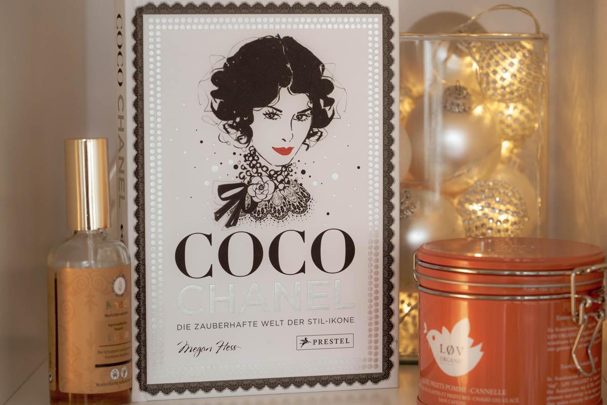 Vintage Tea Time & Buchtipp: Coco Chanel - die zauberhafte Welt der Stil-Ikone von Megan Hess