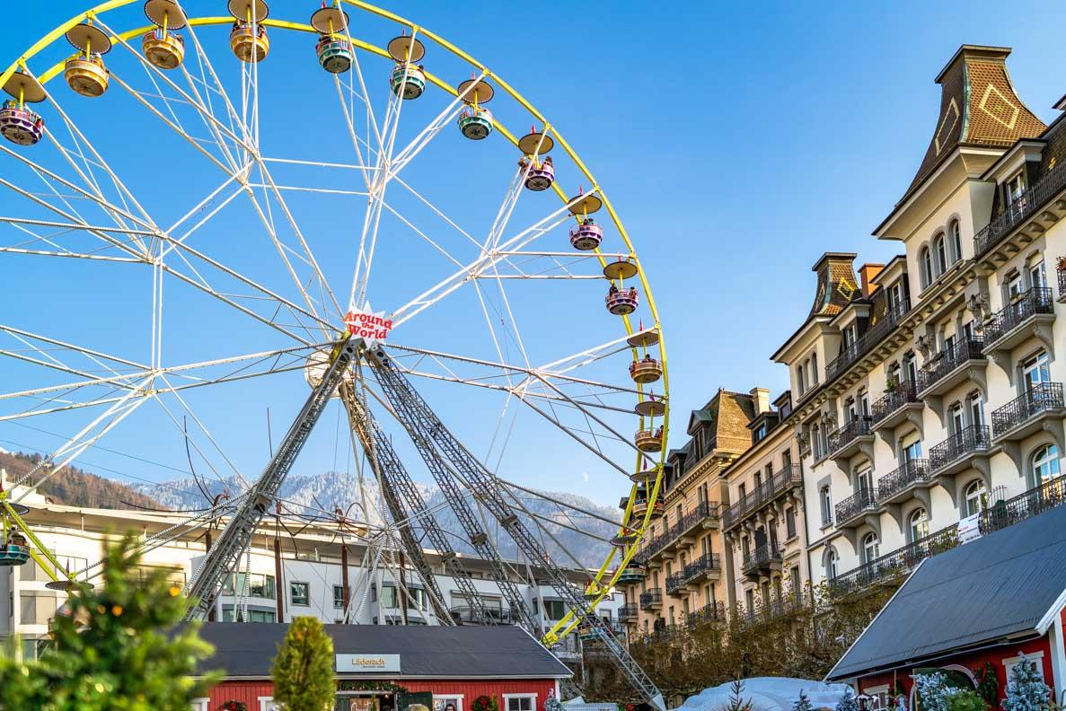 Das Riesenrad auf dem Weihnachtsmarkt in Montreux