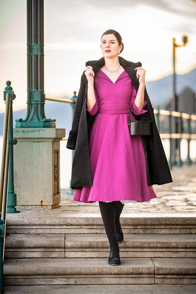 Vintage-Mode-Bloggerin RetroCat in einem Kleid mit A-Linie von Gracy Q in Opatija/Kroatien