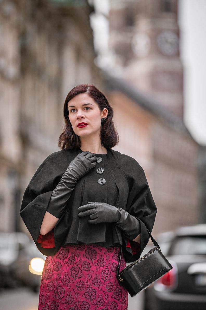 Beauty-Bloggerin RetroCat mit einem verführerischen Valentinstags-Make-up
