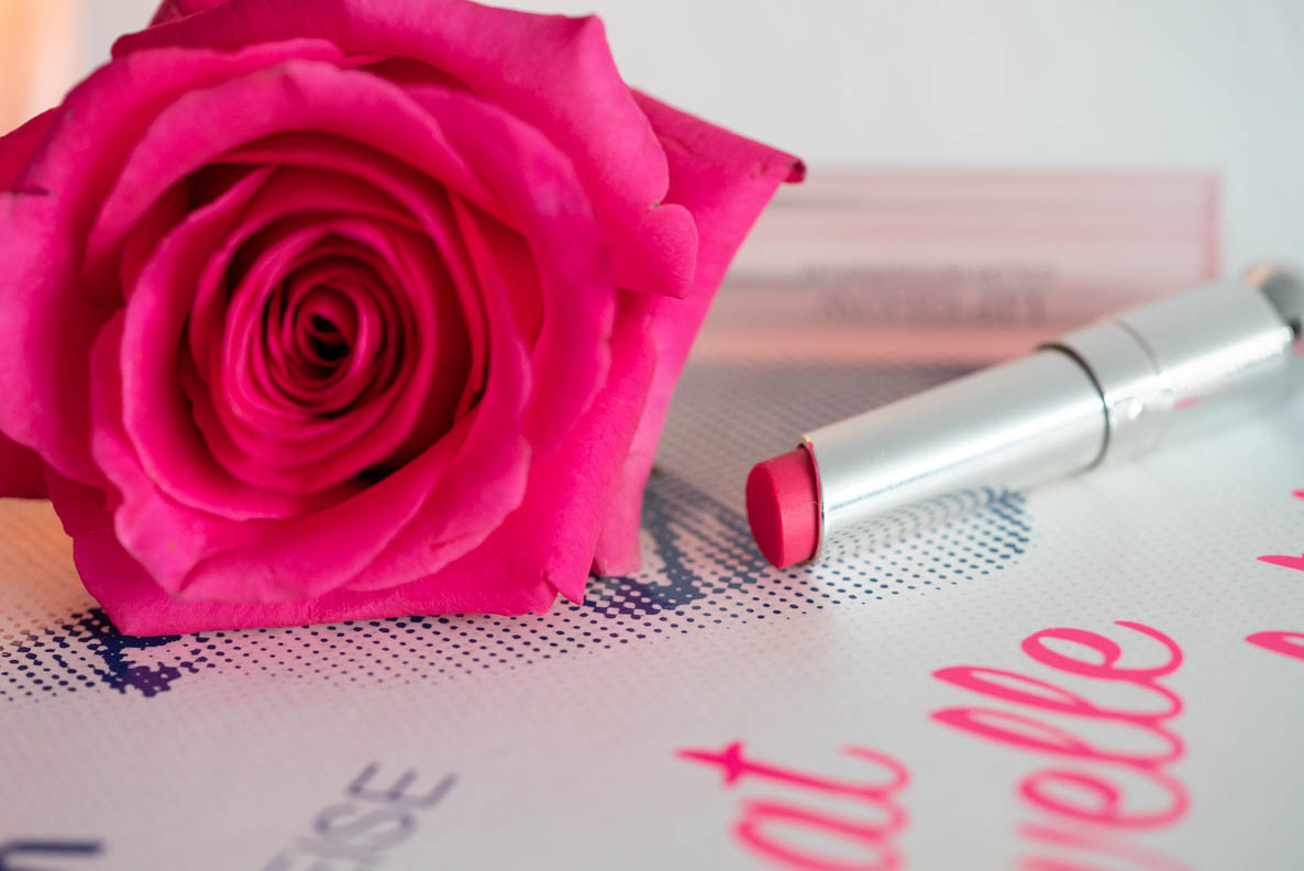 "Pinke Rose und der Dior Addict Lip Glow in ""Raspberry Pink"""