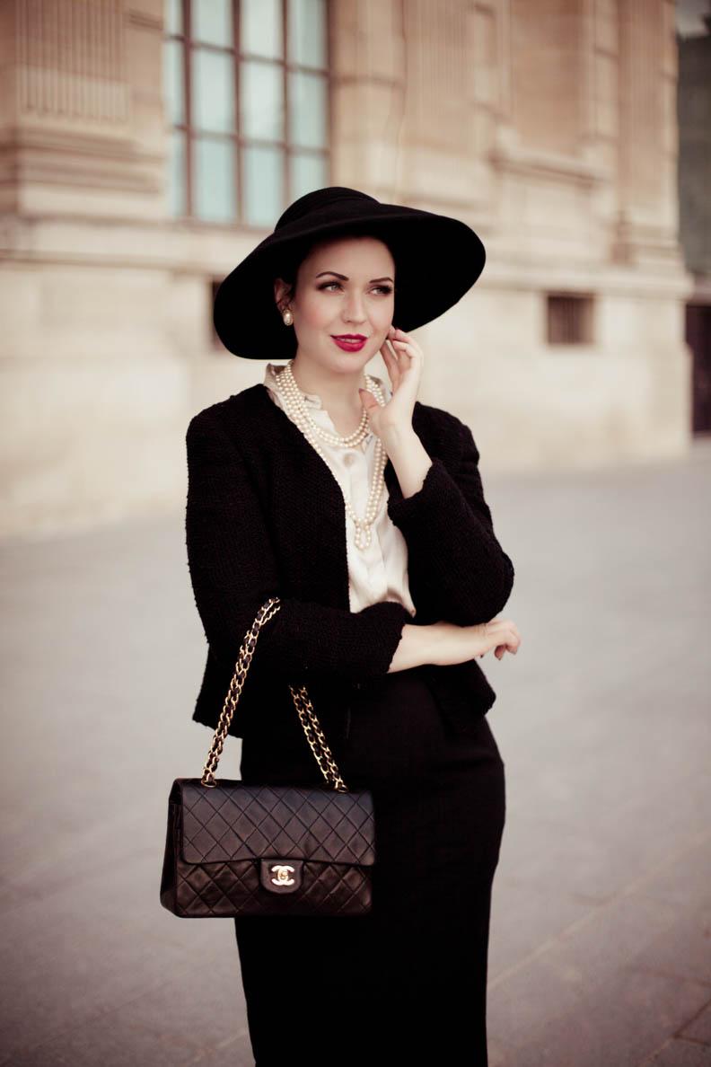 Nicole Rhoslynn mit einer Chanel-Tasche