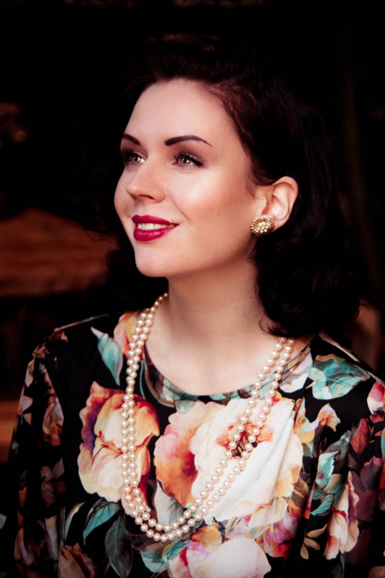 Nicole Rhoslynn alias Madame Rhos trägt nur Naturkosmetik