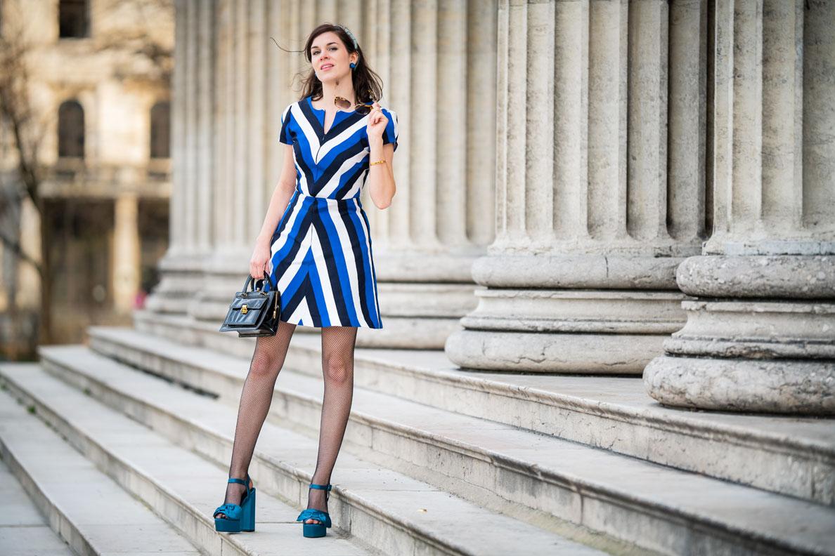Vintage-Fashion-Bloggerin RetroCat in einem 60er-Jahre-Outfit von Grünten Mode