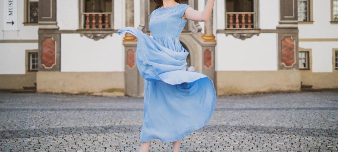 30er-Jahre-Mode: Lingerie, Tageskleidung, Abendmode & Accessoires