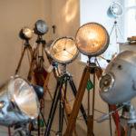 Schicke Lampen, hergestellt aus Autoscheinwerfern auf dem New Heritage Festival München