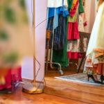 RetroCat mit Kleid und Schal von Honór Couture