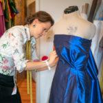 Franziska Rüsch von Honór Couture beim Drapieren