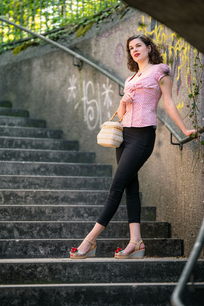 Vintage blogger RetroCat with capri pants and shoes with wedge heels