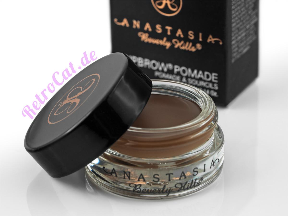 Für ein langanhaltendes Sommer-Make-up: Die Dipbrow Pomade von Anastasia Beverly Hills
