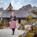 Sommerfrische: RetroCat auf einem Berg der Alpen im Salzburger Land