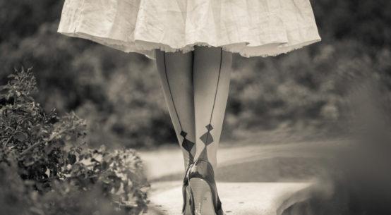 Glamouröse Strümpfe & Strumpfhosen mit aufregender Naht für den ganz großen Auftritt