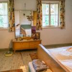 Ein originalgetreues Schlafzimmer aus den 1950er-/60er-Jahren im Museum
