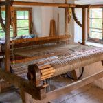 Ein altes Gerät in einer historischen Weberei