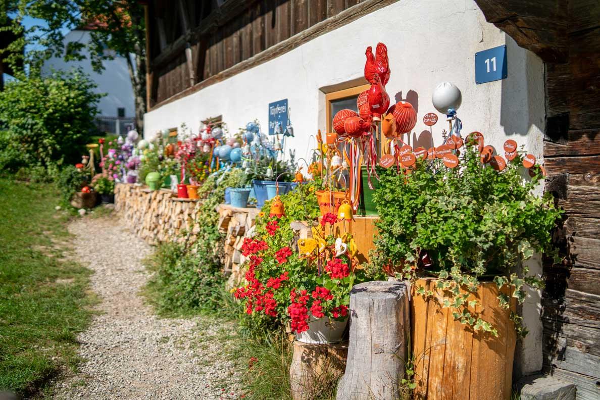 Einkaufen im Freilichtmuseum Glentleiten: Die historische Töpferei/Hafnerei
