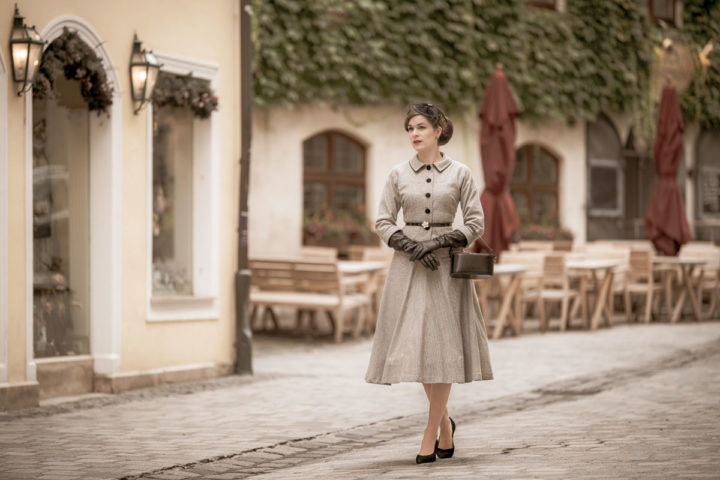 How to create an elegant 1950s Outfit: A Step by Step Guide