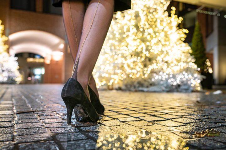 Glamouröse Nylons und Strumpfhosen für Weihnachten, Silvester und andere Festlichkeiten