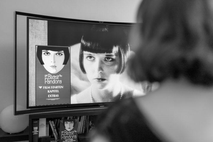 """RetroCat sieht sich den Stummfilm """"Die Büchse der Pandora"""" an"""