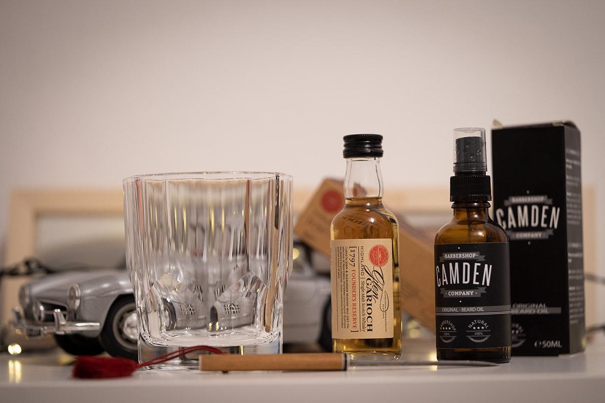 Geschenkideen für den Freund: Gläser, Whisky, Bartöl, Brieföffner und mehr