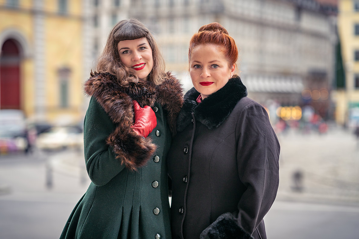 Winter-Frisuren: RetroCat mit Fake-Pony im Stil von Bettie Page