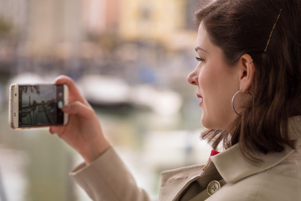 Inspiration gesucht: RetroCat mit ihrem Smartphone