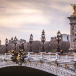 Die Pracht-Brücke Pont Alexandre III in Paris