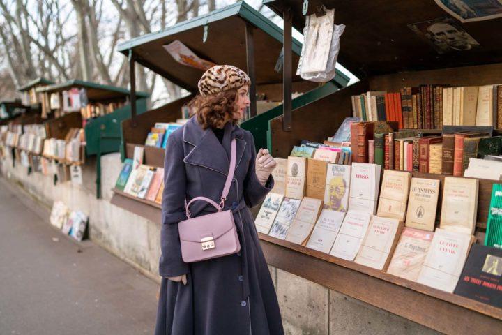 RetroCat bei einem der zahlreichen Buchhändler entlang der Seine in Paris