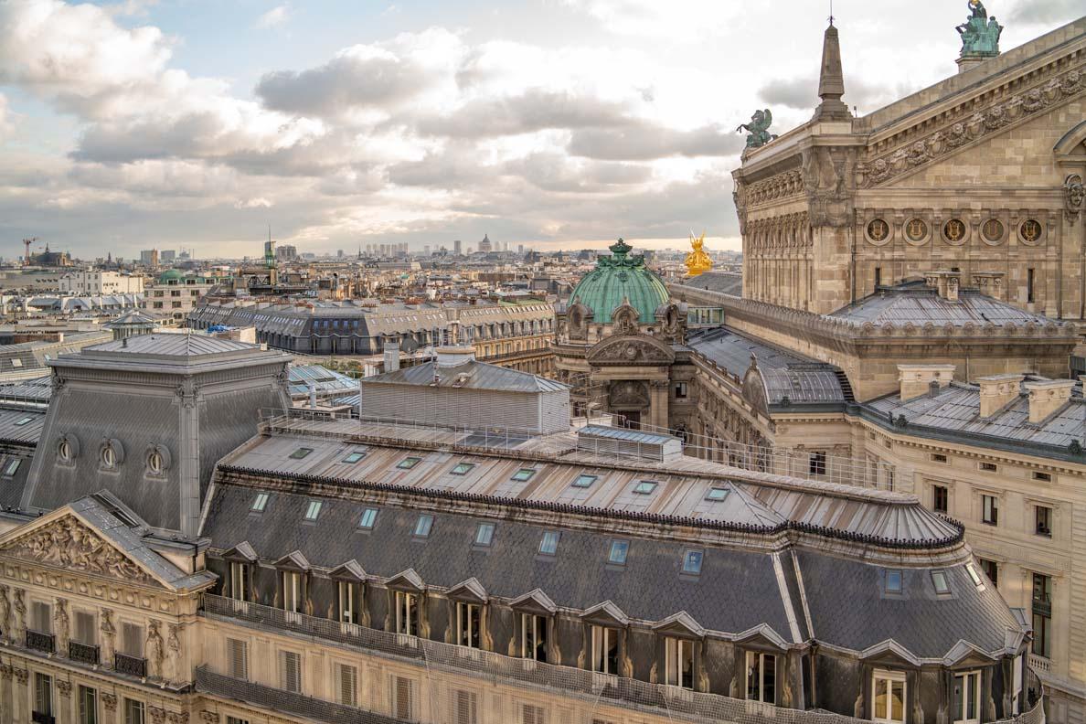 Blick von der Dachterrasse der Galeries Lafayette auf die Oper