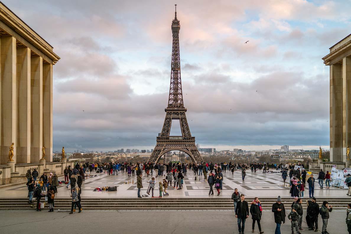 RetroCat in Paris: Der Trocadero mit dem Eiffelturm im Hintergrund