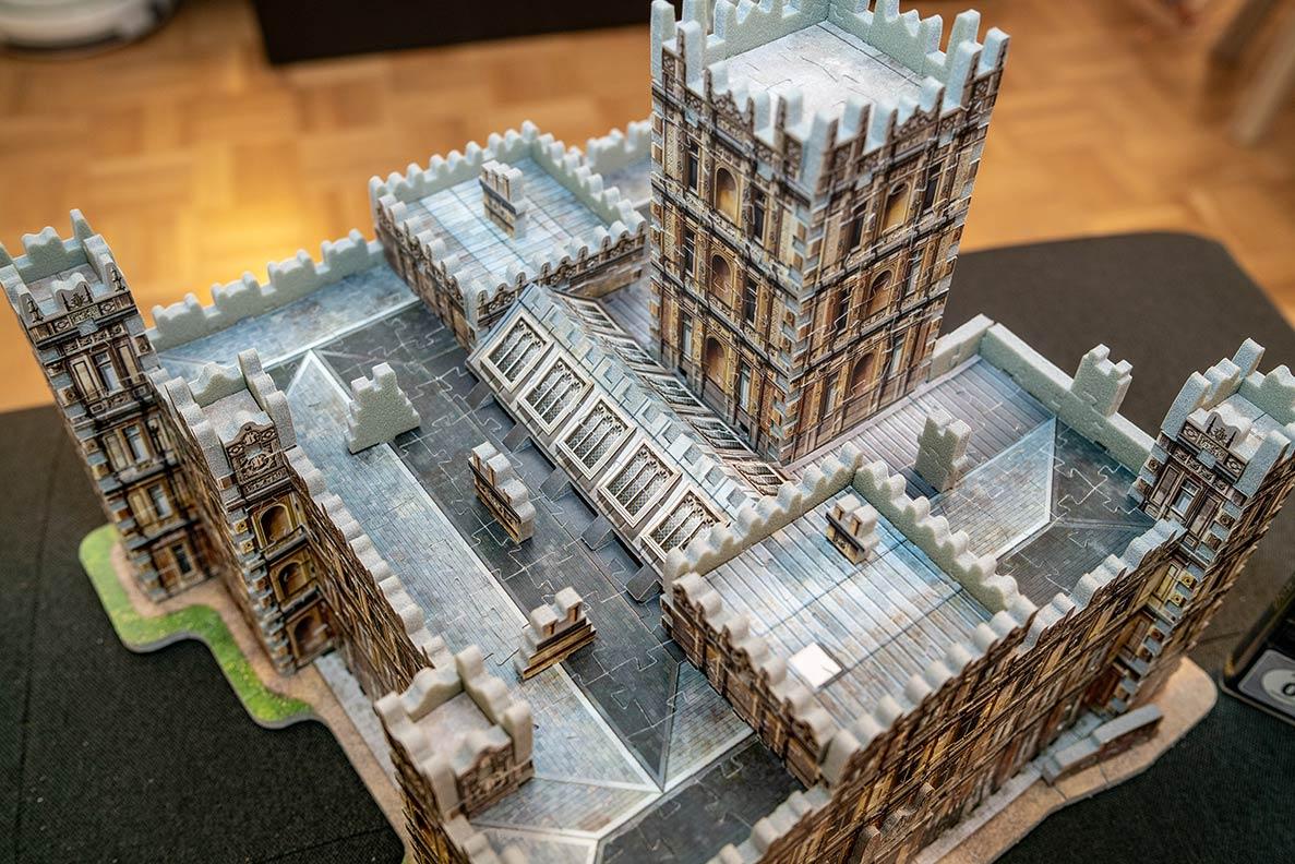 Das 3D-Puzzle von Downton Abbey in der Ansicht von oben