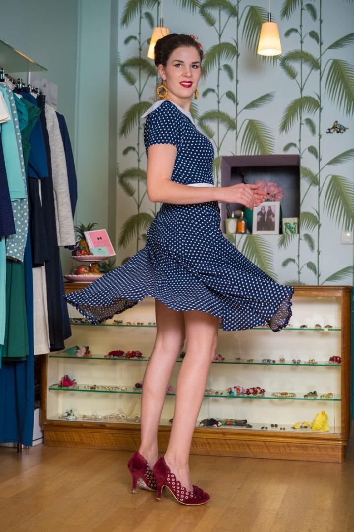 RetroCat mit einem Sommerkleid von Marlenes Töchter