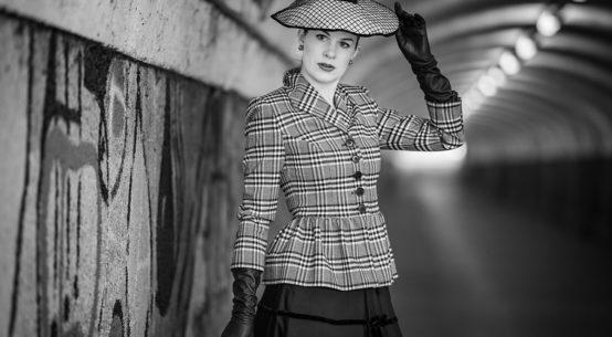 Fashion favourites: blazers, midi skirts, stockings and lipsticks