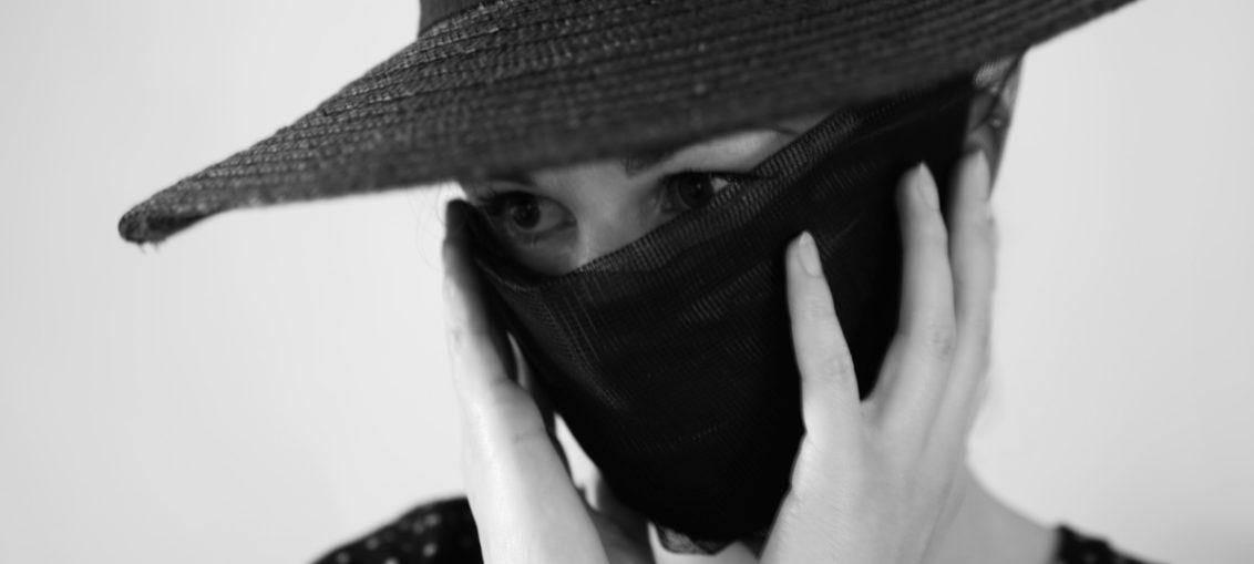 Hier kannst Du hübsche Mund-Nasen-Behelfsmasken kaufen (und dabei kleine Marken unterstützen)