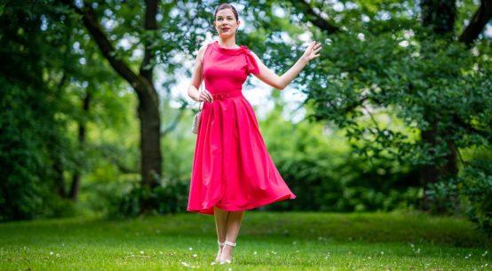 Frühlings-Look: Das Thelise-Coral Kleid von Miss Candyfloss & ein farbenfrohes Make-up