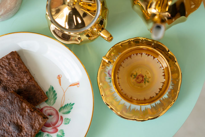 RetroCat's weekly review: Tea and brownies