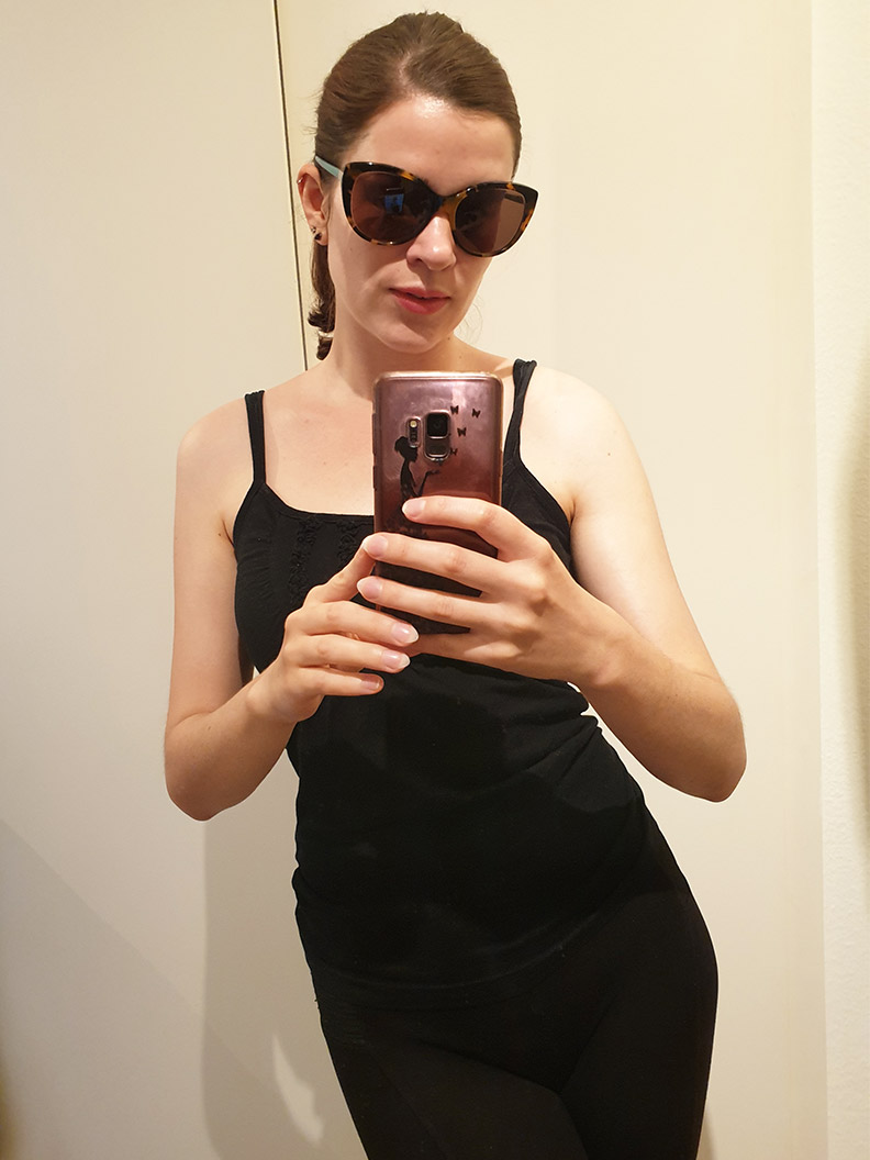 RetroCat with black workout clothes and huge sunglasses
