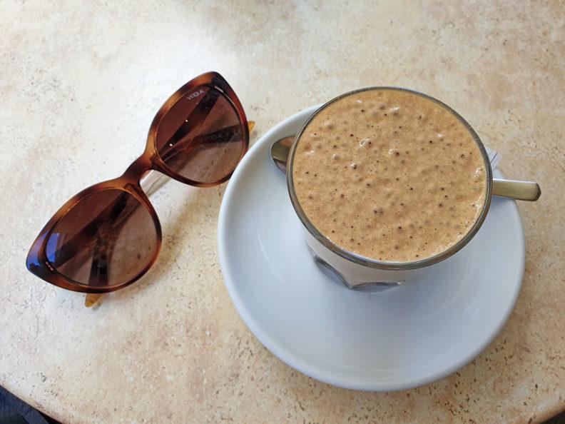 RetroCat's week: A day at the café