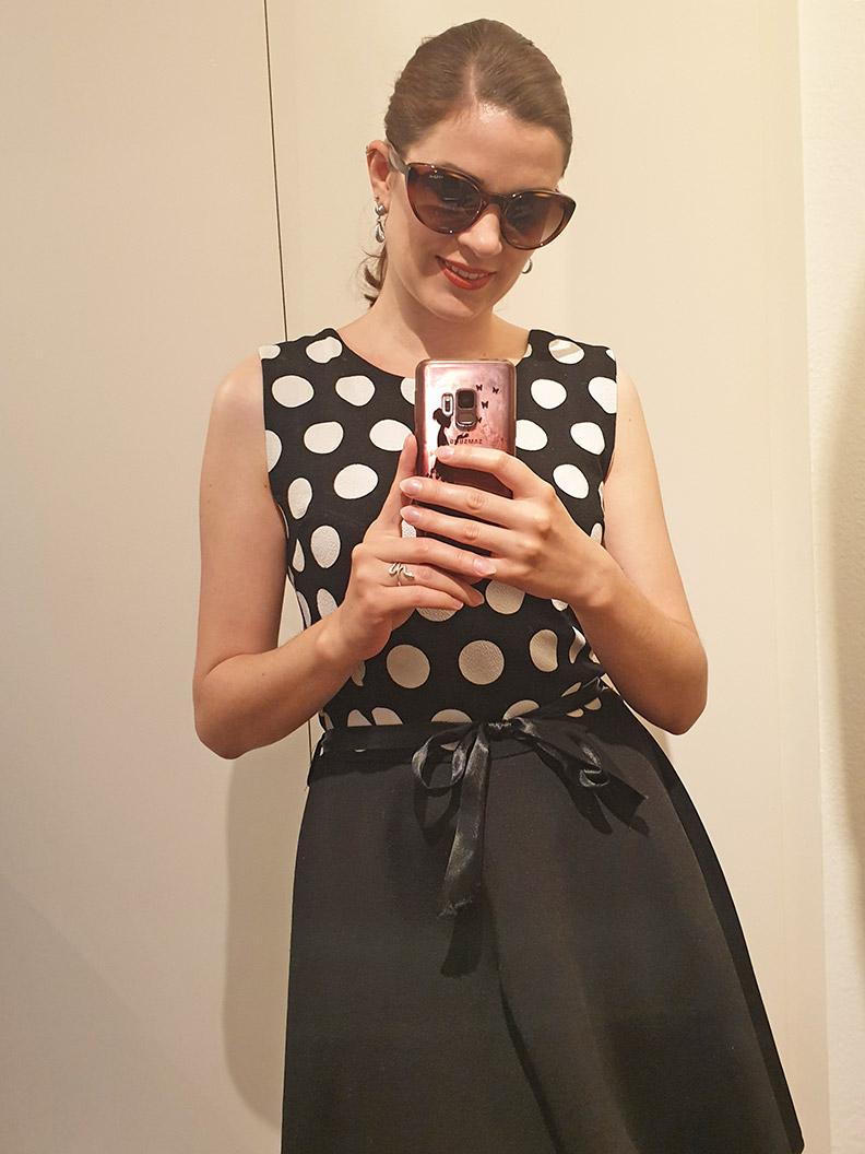 RetroCat's week: A summer dress with polka-dots and retro sunglasses