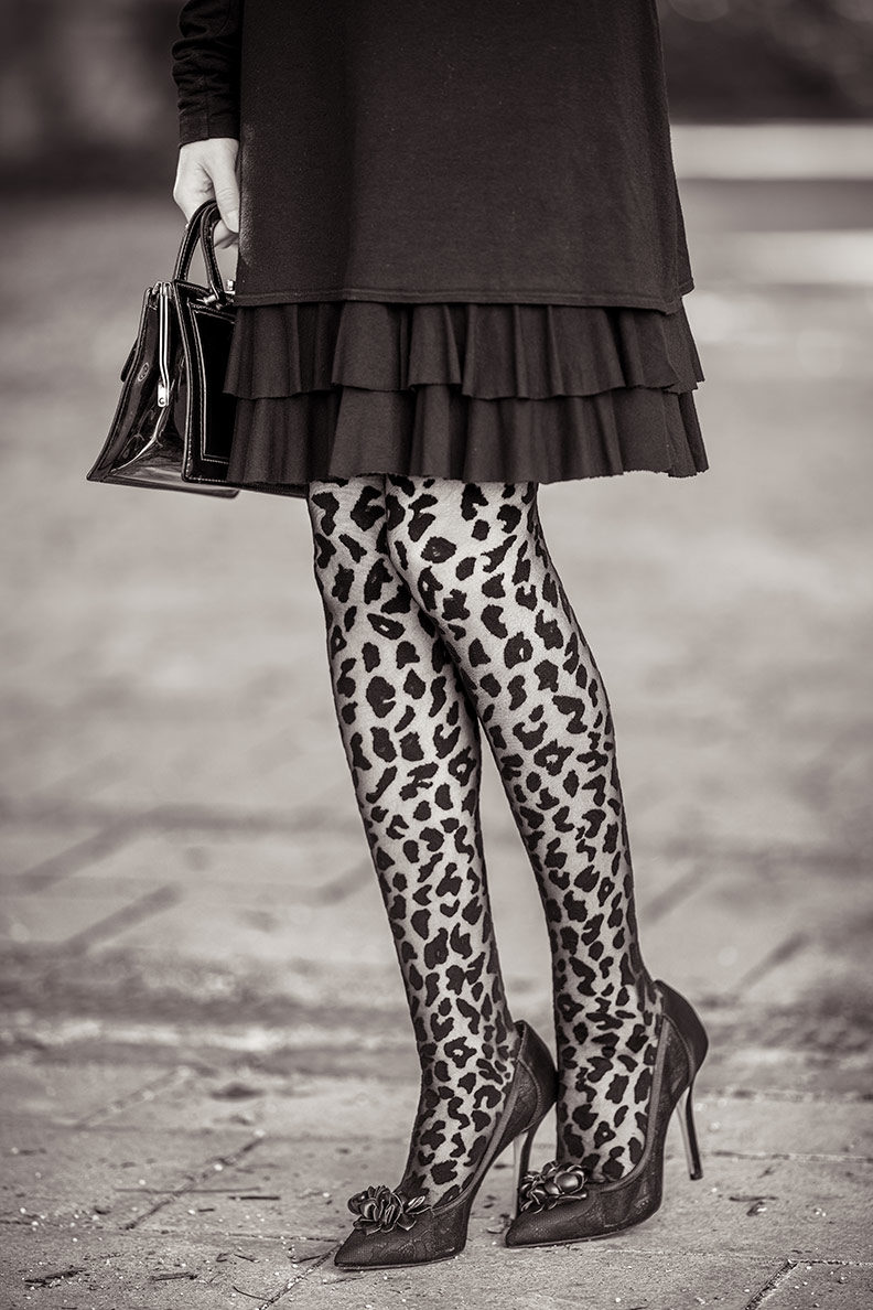 RetroCat wearing leopard tights