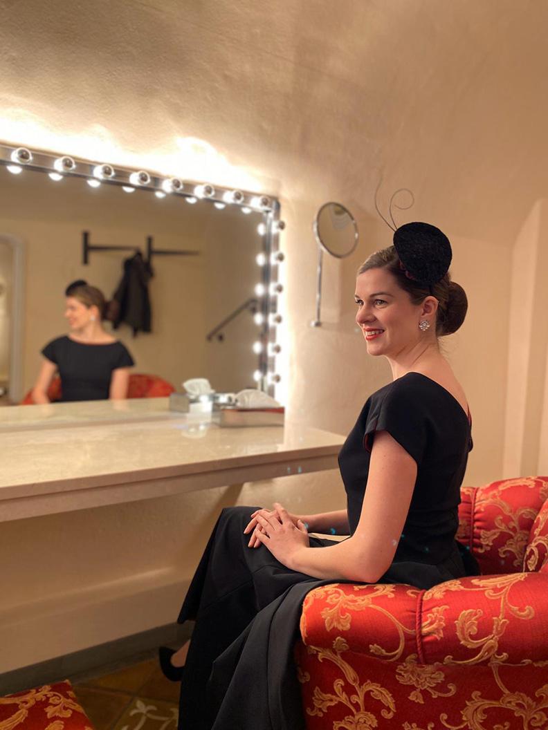 """Sandra alias RetroCat mit ihrem Outfit fürs Finale von """"Die schönste Braut"""""""