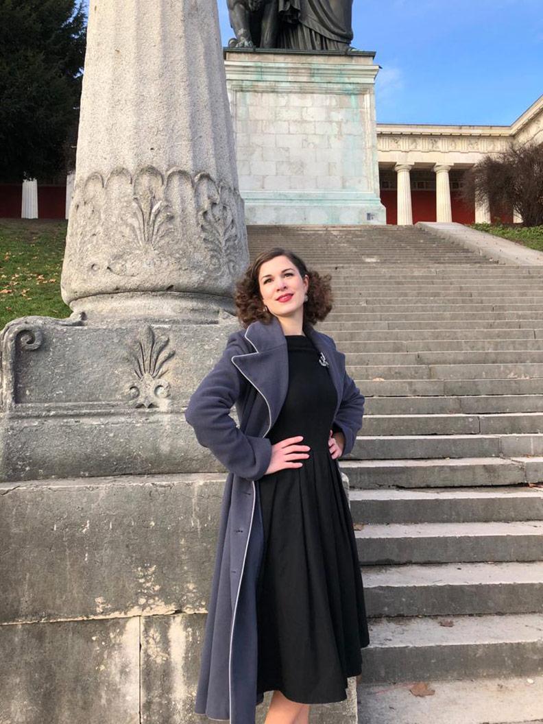 Die schönste Braut: Sandra alias RetroCat aus München in einem Retro-Kleid