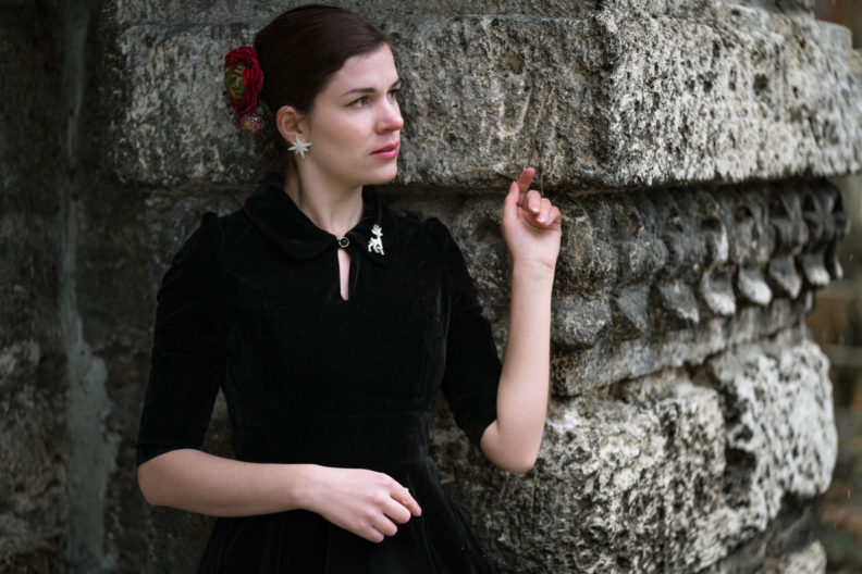 Black Friday Deals at EMP: RetroCat wearing a black velvet dress