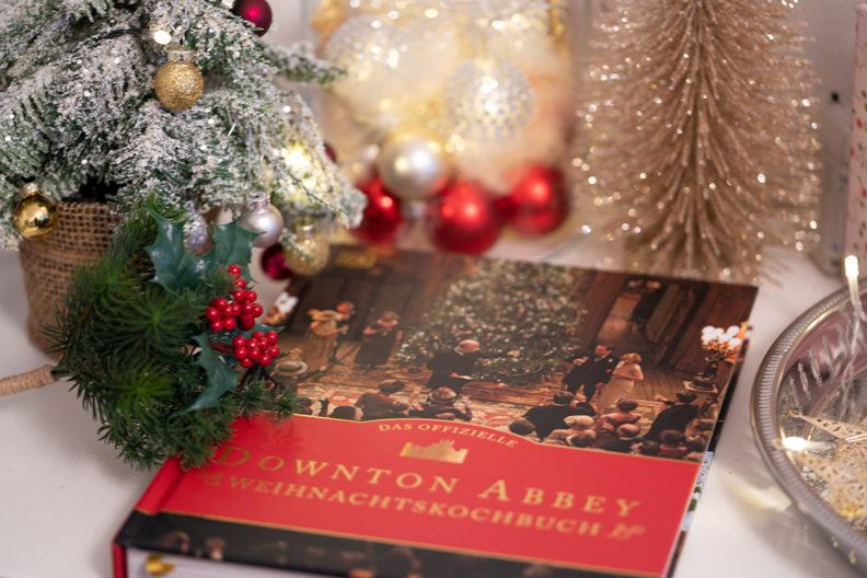 RetroCats Wochenrückblick: Das Weihnachtskochbuch von Downton Abbey