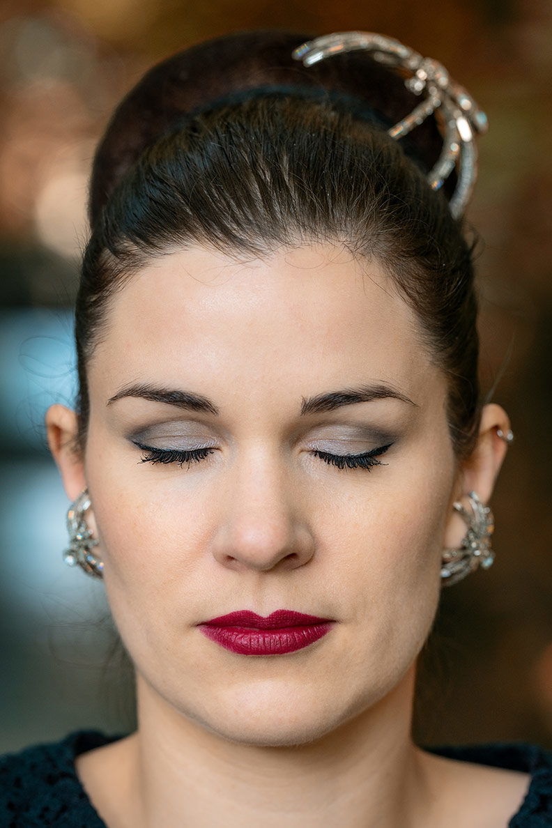 Lidschatten Primer: So hält Dein Augen-Make-up länger - RetroCats Tipps
