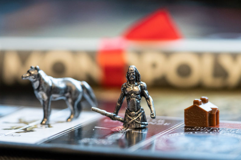 Games for New Year's Eve at home: Monopoly - the Game of Thrones edition